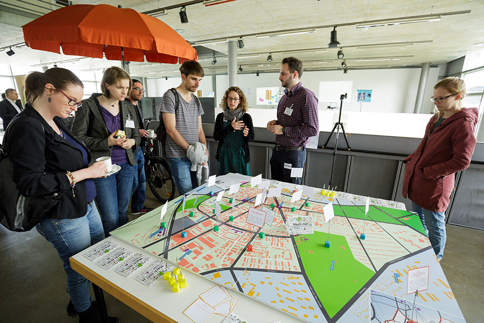 Real-world laboratory with a map of Karlsruhe's Oststadt