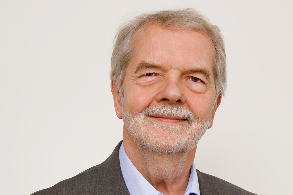 Prof. Dr. Peter Hennicke